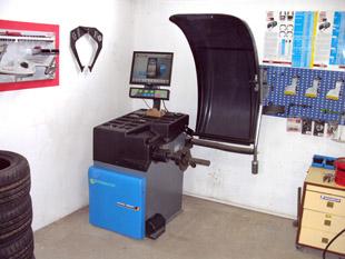 Beisbarth Microtec 855 ADT - Centírozó gép