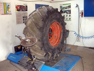 Beissbarth Sensomat MS-75 - Teher gumiszerelőgép